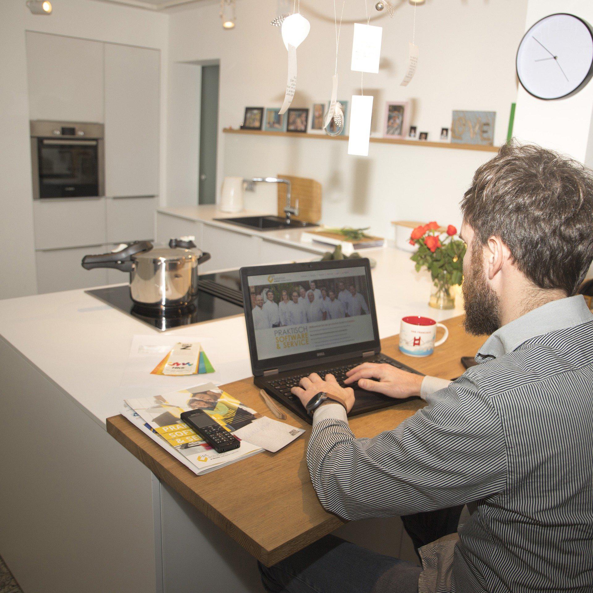 Vanaf 2022 belastingvrije thuiswerkvergoeding mogelijk